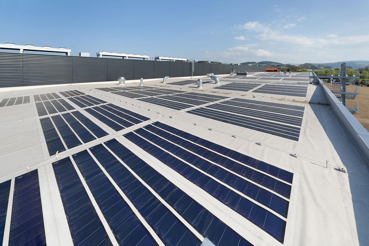 photovoltaik, kollektoren, sonnenengergie, flachdach, spenglerarbeiten, metallbau, blitzschutz